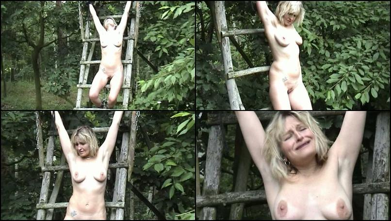 Original_erotic-hanging-and-peeing-in-the-forest