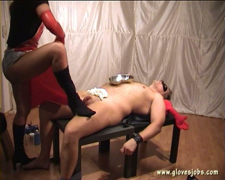 Ladyboy pics of naked bleeding ass