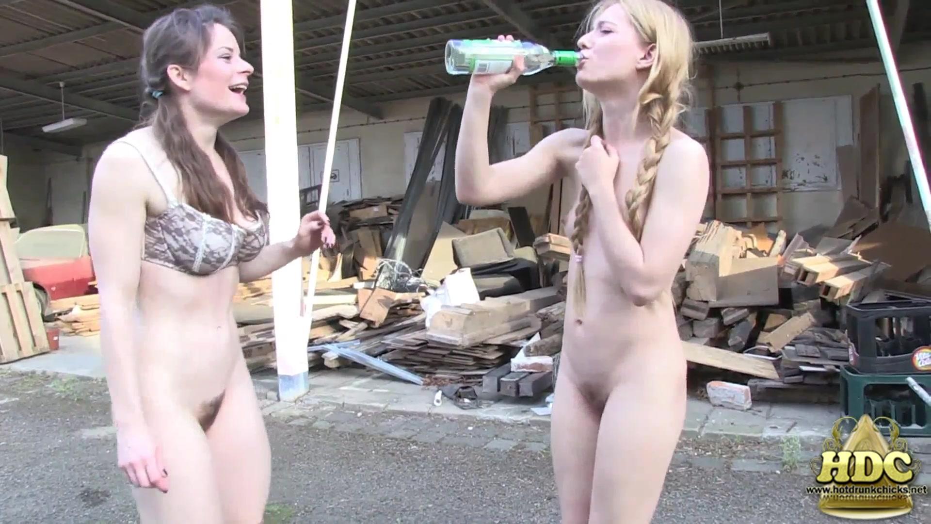 Hotdrinkingchicks